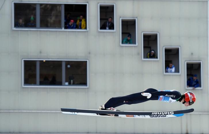 Constanin Scmid a Négysánverseny Garmisch-Partenkirchen-i állomásának edzésén