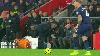 Mourinho leidiótázta az ellenfél edzőjét