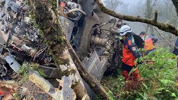 Tajvani katonai vezetők zuhantak le egy helikopterrel
