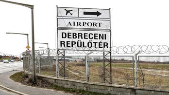 A köd miatt nem tudtak Debrecenben leszállni a gépek