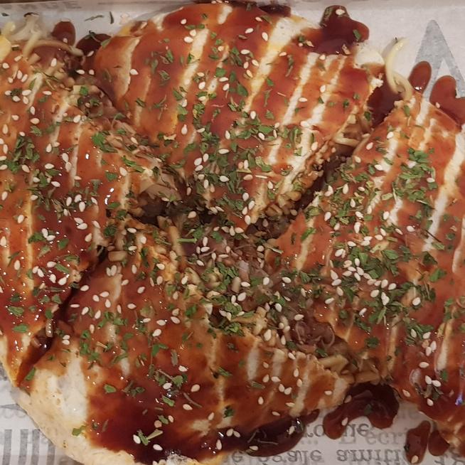 Japán töltött palacsinták végre itthon is - Kipróbáltuk az okonomiyakit