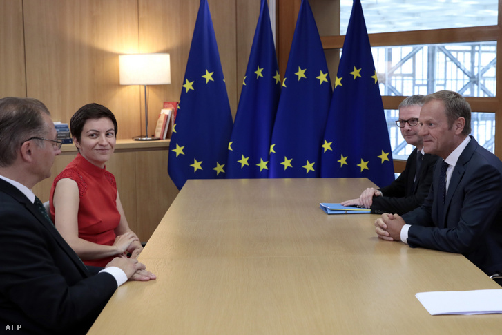 Ska Keller (balról a második) és Philippe Lamberts (balra) találkozott Brüsszelben a Zöldek/EFA csoport képviseletében Donald Tuskkal 2019. június 24-én