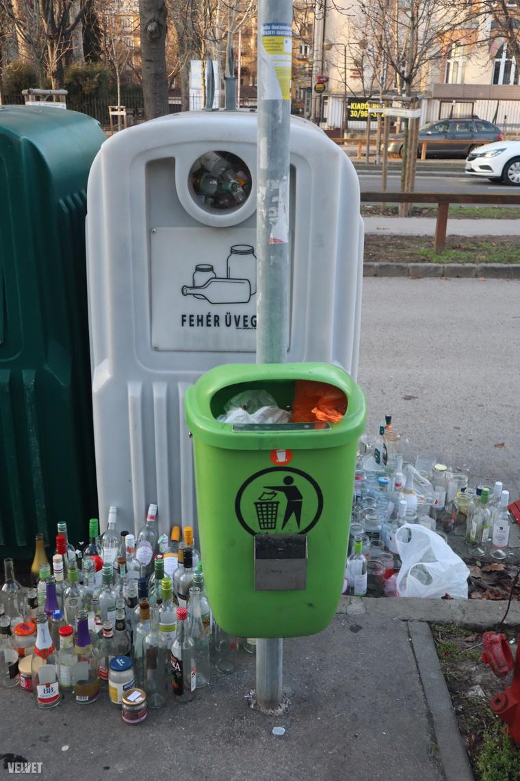 Gyűlnek az üres üvegek