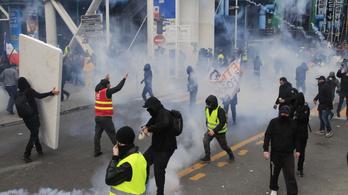 Az elmúlt ötven év legszívósabb sztrájkolói bénítják meg Franciaországot