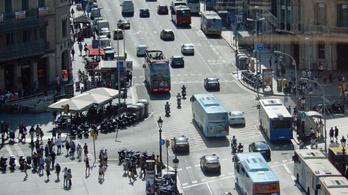 Barcelona kitiltja a legszennyezőbb autókat