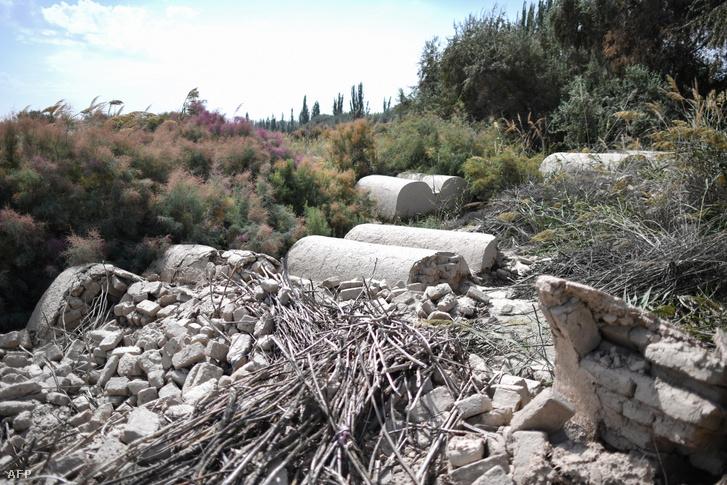 Egy megsemmisített ujgur temető romjai a Hszincsiang tartomány területén található Shayar területén 2019 májusában.