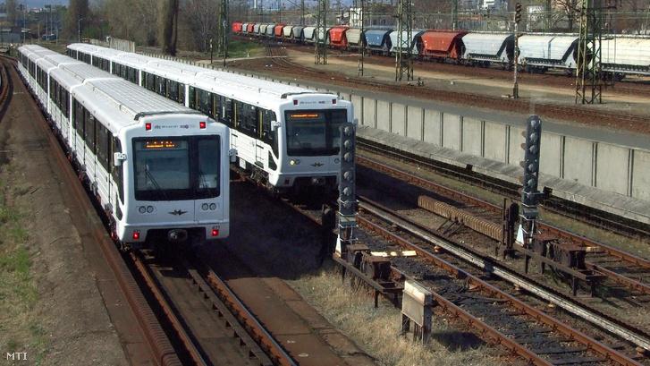 A Budapesti Közlekedési Központ (BKK) 3-as metróvonalán közlekedő szovjet/orosz gyártmányú szerelvények