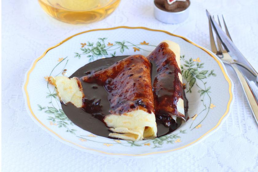 Elegáns és finom desszert a Gundel-palacsinta – A dió két textúrában kerül a tésztába