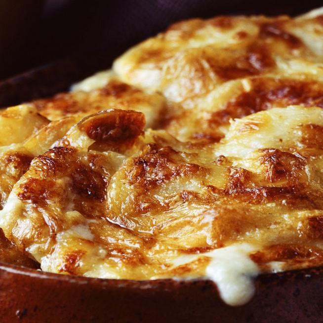 A francia rakott krumpli szalonnával valami elképesztően finom