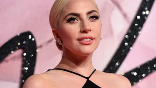 Lady Gaga is megmutatta új pasiját