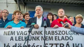 A munkavállalók ma már nem tüntetnek vagy sztrájkolnak, hanem elhagyják a magyar munkaerőpiacot
