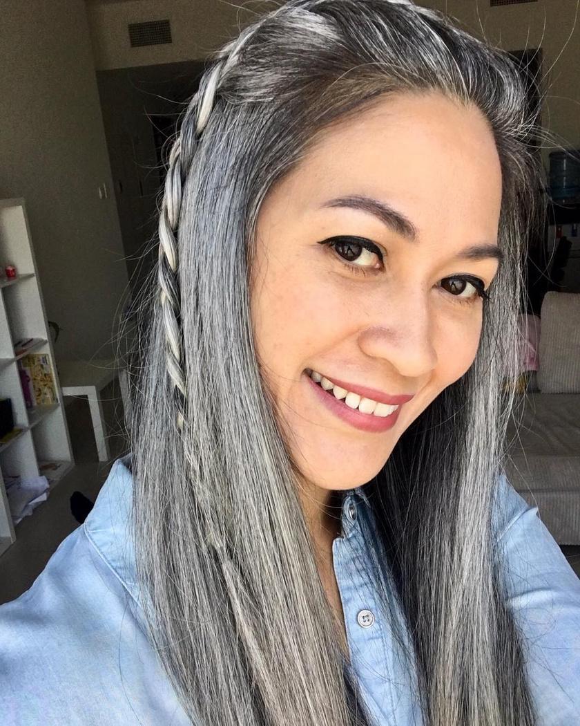 A 38 éves Lihn a középiskola alatt kezdett el őszülni, és nagyon sokáig havonta festette a haját, hogy eltakarja a színét. Öt éve azonban teljesen felhagyott ezzel, és bátran felvállalja az igazi külsejét.