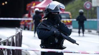 Több embert megkéselt az utcán, a francia rendőrök agyonlőtték