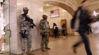 A Nemzeti Gárda őrzi a reptereket és hidakat New Yorkban