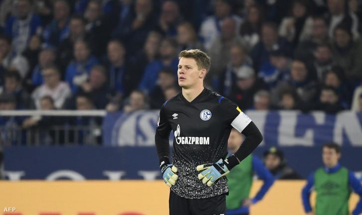 Nübel, még a Schalke csapatkapitányaként