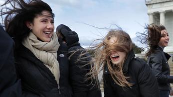 Viharos szél miatt adott ki figyelmeztetést az OMSZ