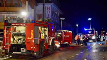 Német turisták közé hajtott egy részeg sofőr, hatan meghaltak