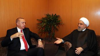 Az iráni elnök az USA-val szembeni közös fellépésre szólította fel Erdoğant
