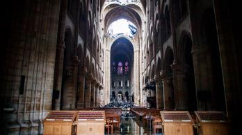 Még mindig fennáll a veszélye annak, hogy beomlik a Notre-Dame boltozata