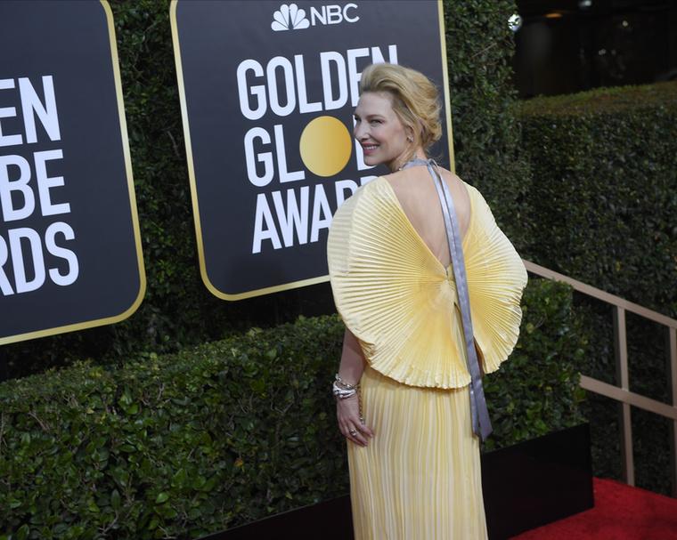 Cate Blanchettkülönös szerelésben jelent meg