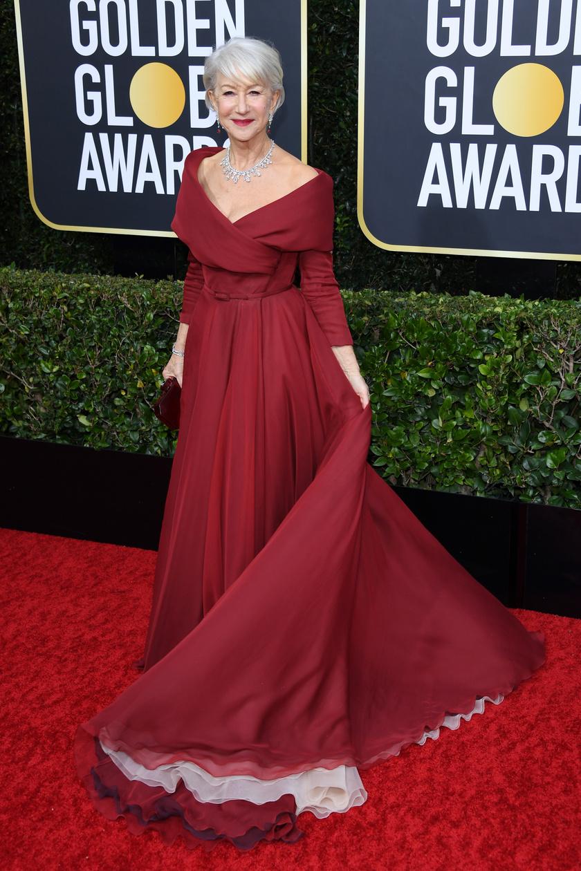 Helen Mirren vérbeli dívaként tündökölt a vörös szőnyegen. Egy gyönyörű Dior estélyit viselt.