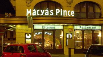 Dolgozókat bocsátottak el a legendás Mátyás Pincéből, átmenetileg bezárt az étterem