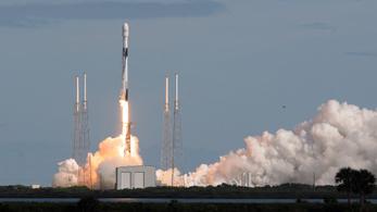 Elon Musk még több Starlink műholdat küld az űrbe, a csillagászok egyre idegesebbek