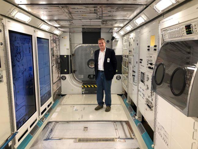 Stephan Moll az ISS földi replikájában