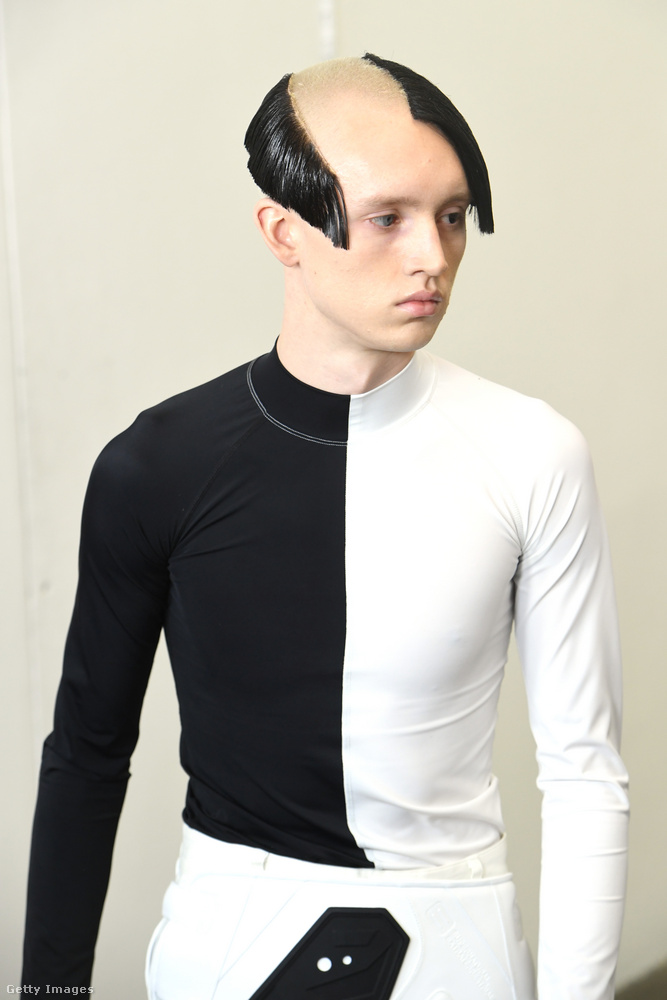 Ezt a frizurát pedig egy megszaladt borotva inspirálhatta