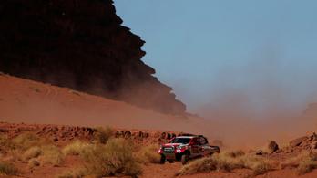 Alonso kezdi felvenni a Dakar ritmusát