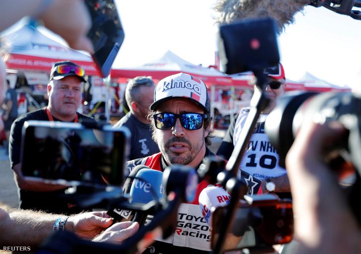 Fernandó Alonso a 2020-as Dakar-rali harmadik szakaszán, január 7-én.