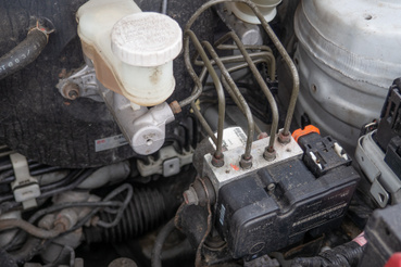 Ez az ABS-tömb nem az az ABS-tömb: a Swiftek, Ignisek, Altók és SX4-ek érintettek a hidraulikatömb problémájával, a Liana nem