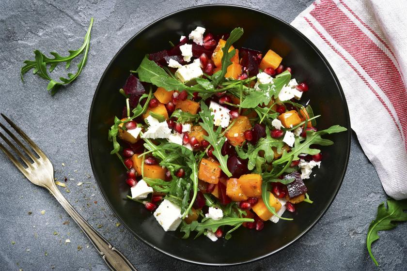 Nem kell, hogy a saláta egyhangú legyen! A rukkolás, céklás változatban a hozzávalók rendkívül egészségesek, tele vannak vitaminnal, de alig tartalmaznak kalóriát, ráadásul télen is könnyen beszerezheted mindet.