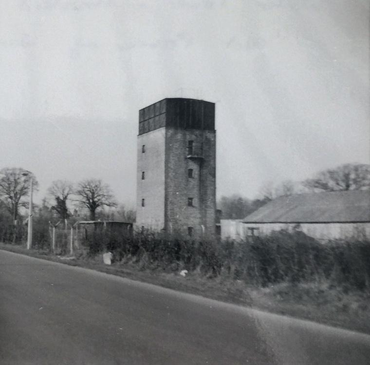 Régi fotó az essexi víztoronyról, amelyben a második világháború idején közel 700 olasz és német foglyot helyeztek el