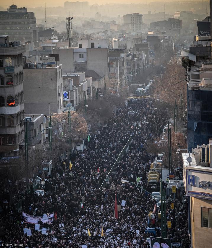 Január 3-án az USA dróncsapást mért Kászim Szulejmánira, az iráni forradalmi gárda különleges alakulatának parancsnokára