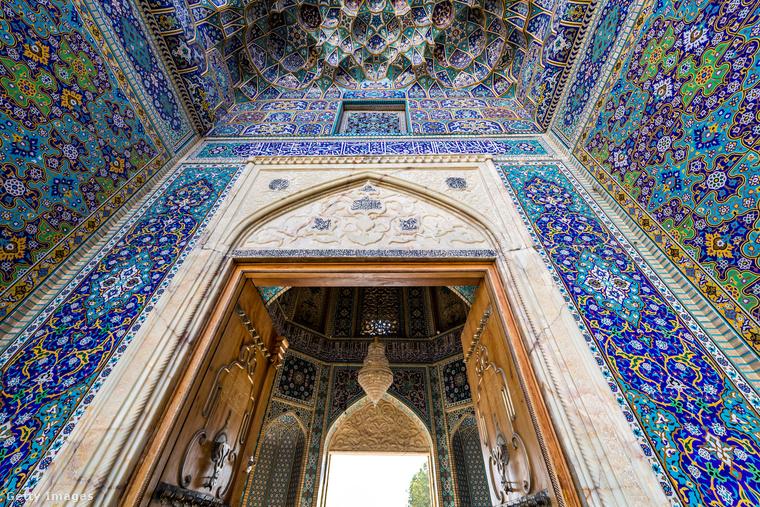 """Sah-Sirag mecset − A név annyit tesz: """"a fény királya"""""""