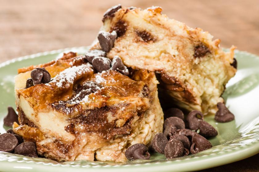 Kényeztető csokis, vaníliás zsemlefelfújt: olcsó, egyszerű, mégis isteni desszert