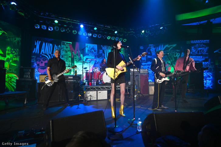 A Nirvana jótékonysági koncertje Los Angelesben