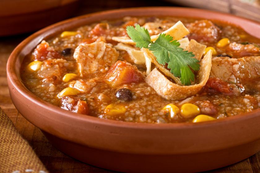 A chilis bab levesként is isteni - Tortilladarabok teszik még laktatóbbá