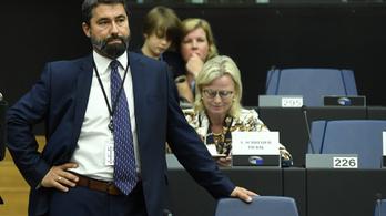 Hetes cikk: a Néppártot győzködi a Fidesz