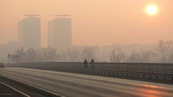 Annyira rossz a levegő, hogy már két településen is veszélyes a szabadba menni