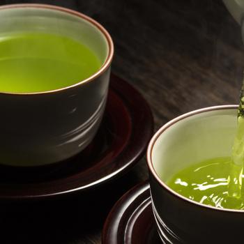 Melyik ébreszt jobban, a zöld tea vagy a kávé?