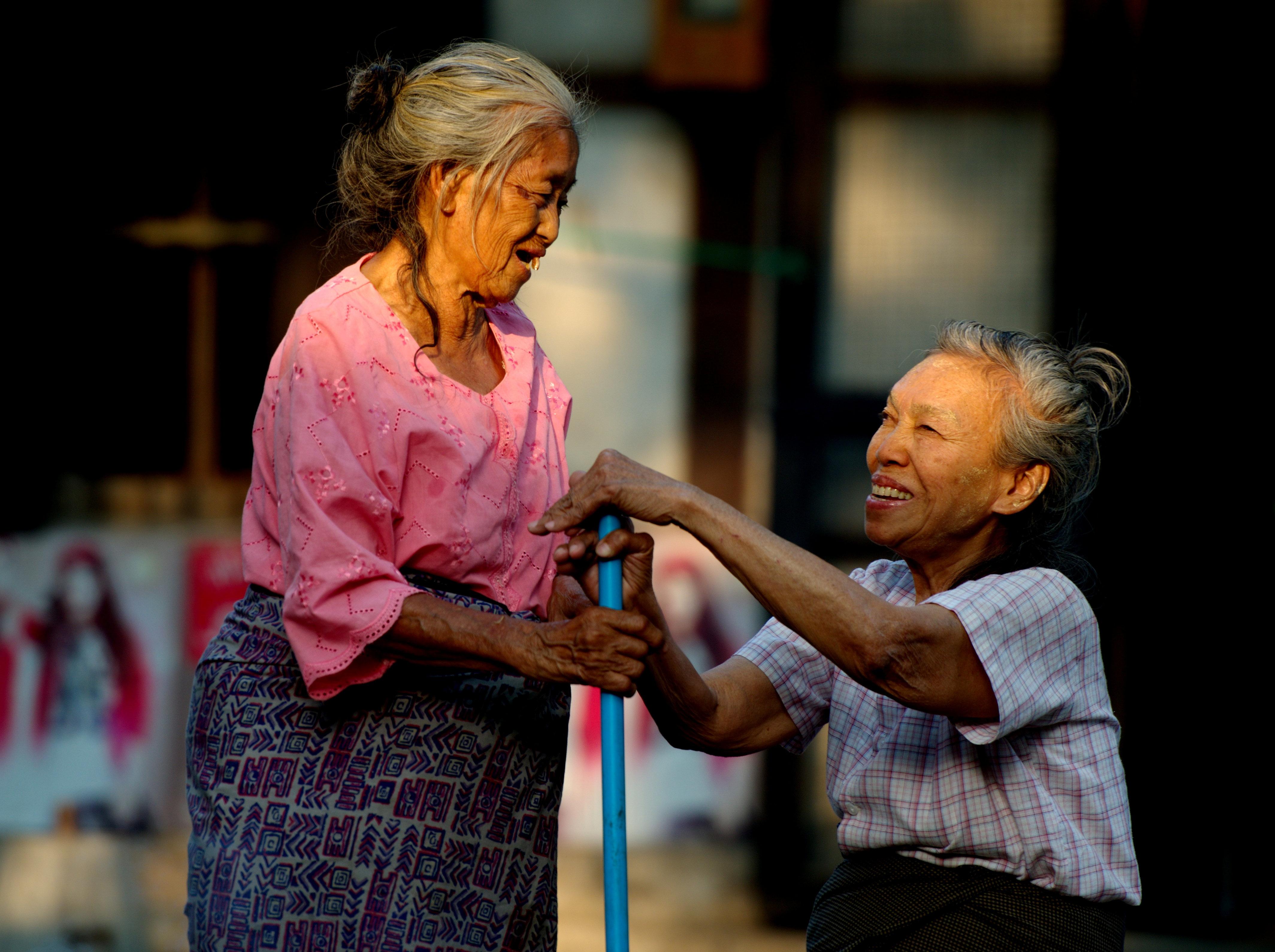 idősebb randevú Ausztráliában