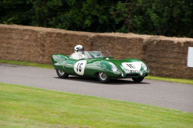 Egy restaurált 1956-os Le Mans-i Lotus Eleven