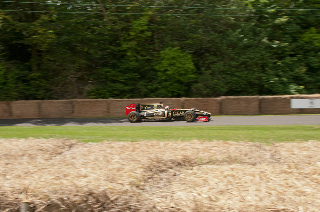 Ez bizony az idei Formula 1-es Lotus, de utána csak érdekesebb autók jöttek