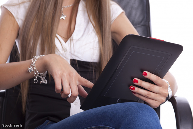 stockfresh 1164434 woman-with-tablet-computer sizeM