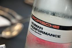 Víz, stílszerű címkével