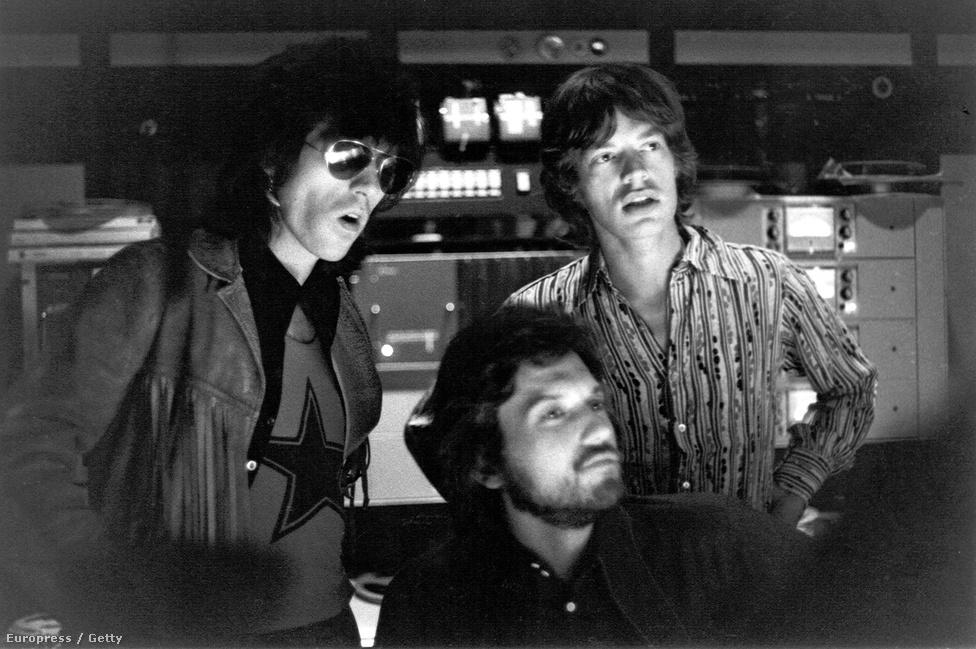 A zenekar épp a Let It Bleed lemezt rögzíti 1969-ben. Keith Richards és Mick Jagger szerzőpárosát a Lennon-McCartney duóhoz szokás hasonlítani, bár Jaggerék jóval több dalt szereztek ténylegesen együtt, mint Lennonék.