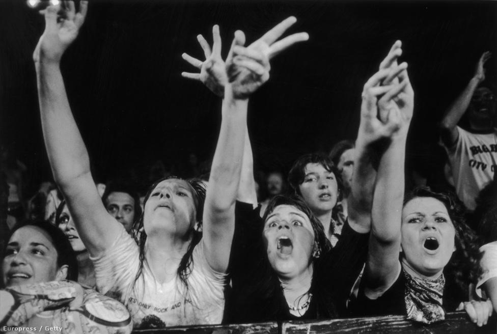 A Rolling Stones közönsége az 1975-ös amerikai turnén.