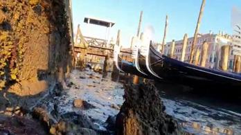 Korábban árvíz volt Velencében, most meg még a gondolák is zátonyra futnak